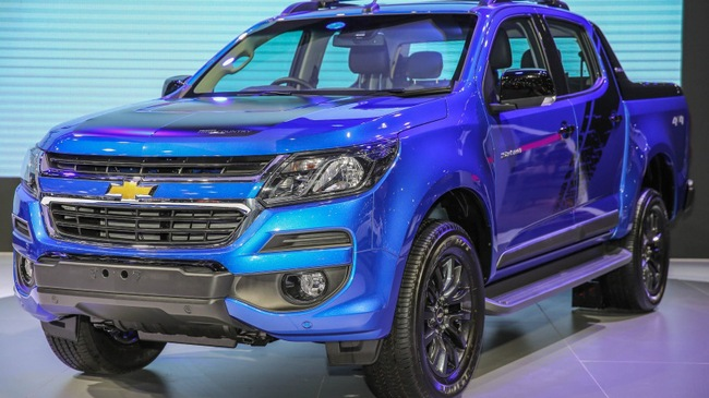 bims2017-chevrolet-colorado-storm-1-850x567-1490783788957-42-0-519-850-crop-1490783802381